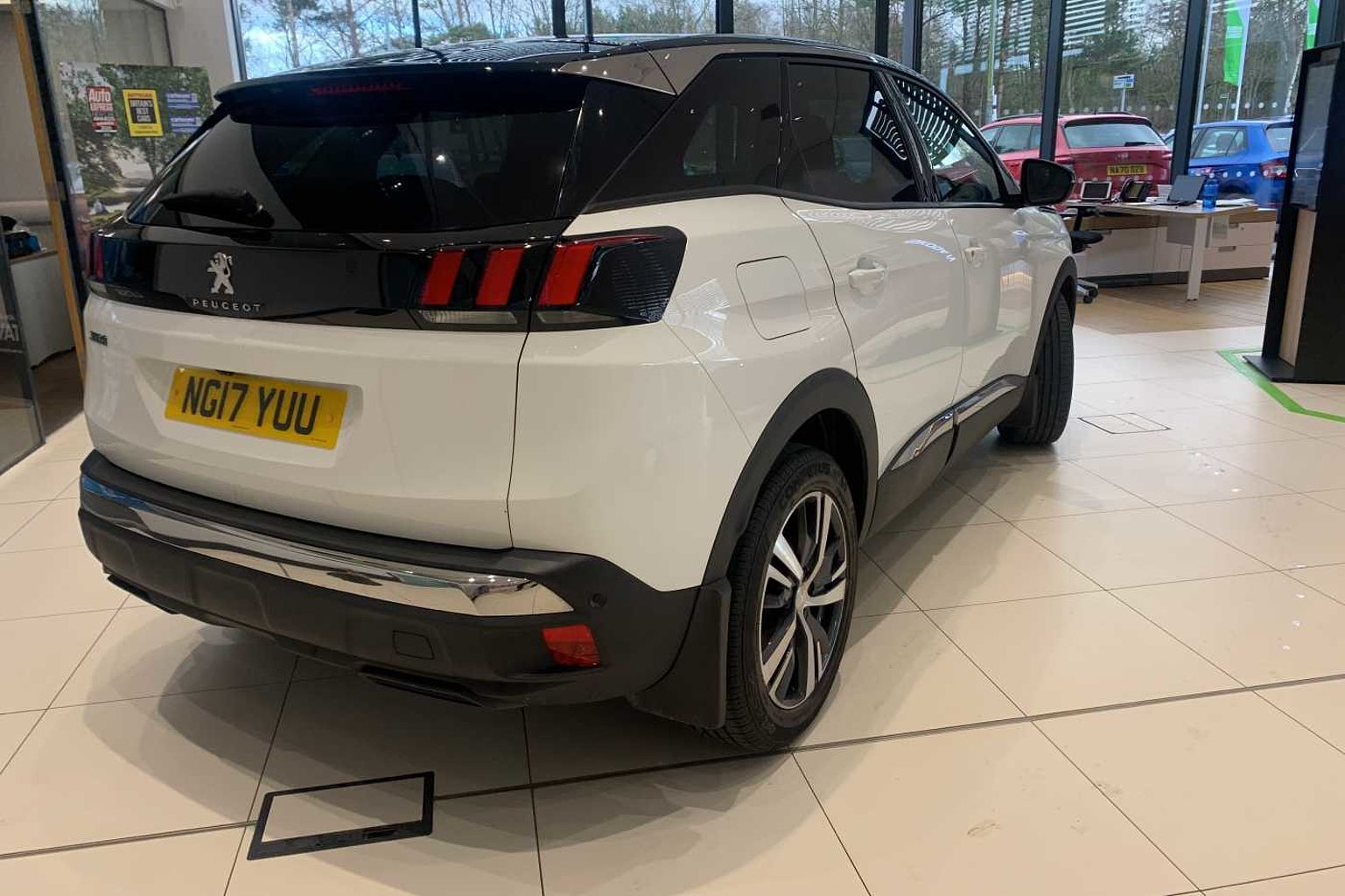 Peugeot 3008 SUV 1.6 BlueHDi (120bhp) Allure (s/s) EAT6